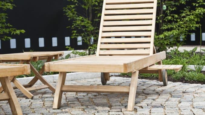 Gartenliege aus Holz gebraucht