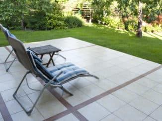 Gartenstuhl mit Fußteil