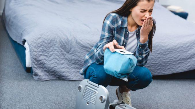 Mädchen mit Hausstauballergie tausch Staubsaugerbeutel